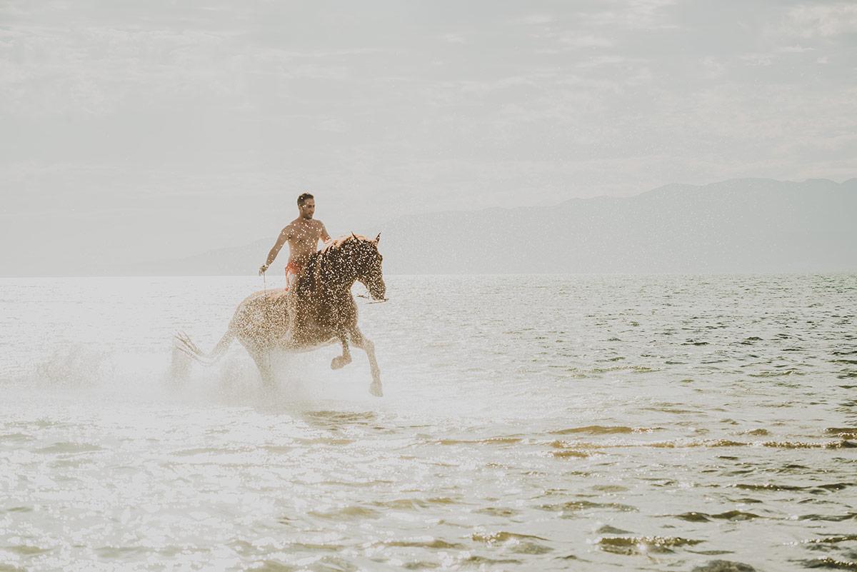 trash-the-dress-horse-asieraltuna15